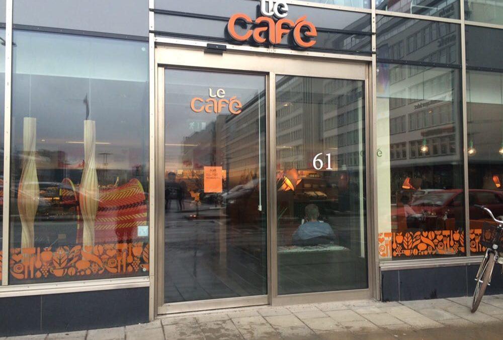 Möte på Le Café
